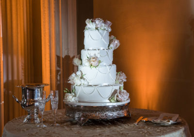 wedding cake by Monica at trendy wedding style